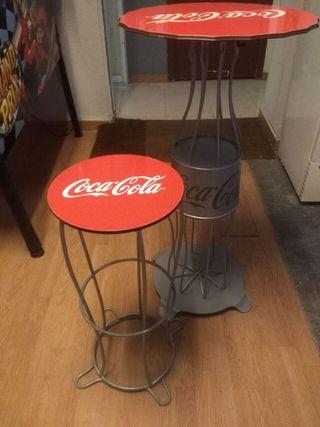 Mesas y taburetes cocacola