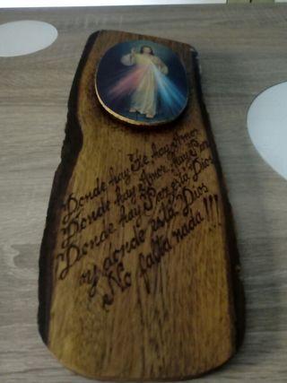 Cuadro de tronco de madera religioso