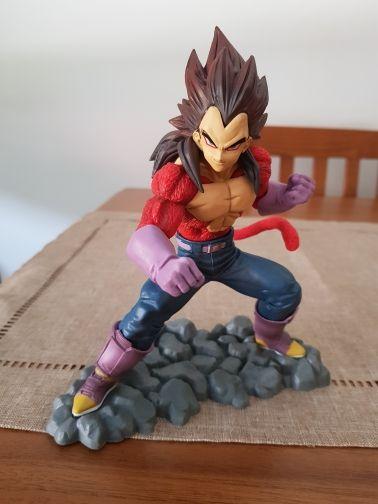 Figura Vegeta Super Saiyan 4 Dragon Ball Z