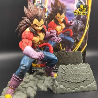 Figura Vegeta Super Saiyan 4 Dragon Ball Z