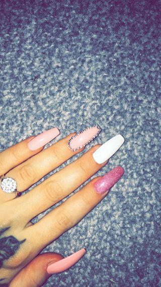 Handpainted nails