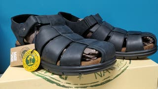 Sandalias Panama Jack piel negras.