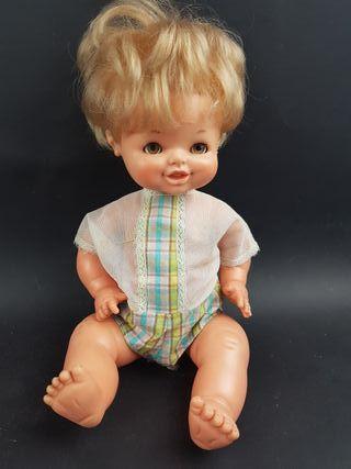 muñeco chiquitin de famosa antiguo