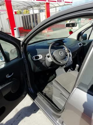 Renault super modus 2011