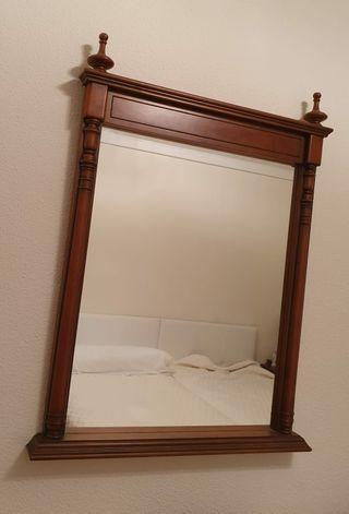 se vende espejo de madera de pino. ocasión.