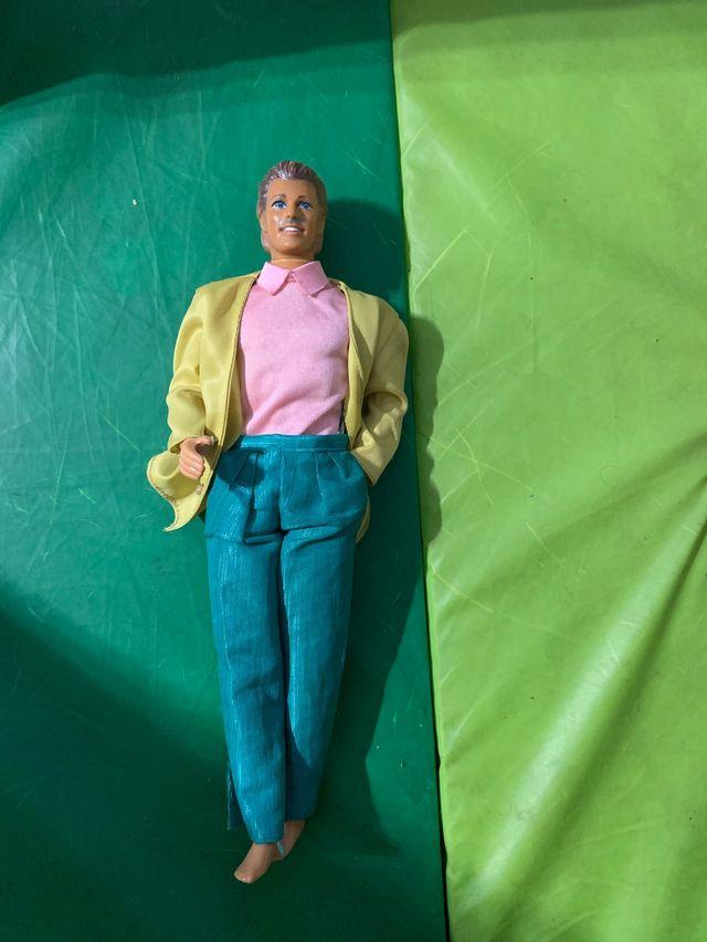 Antiguo Ken de barbie