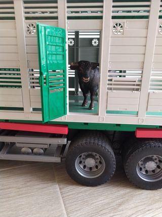 Camión toros juguetes niño