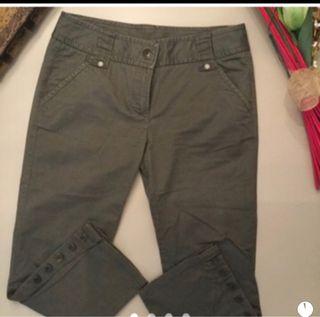 Pantalón verde.Benetton.Talla 40