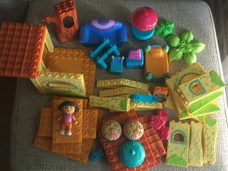 Ensartables Casa Dora y muñeca.