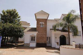 Chalet en venta en Riviera del Sol en Mijas