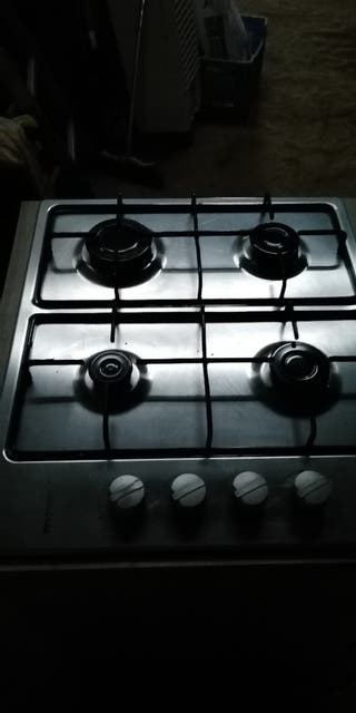 cocina de gas y horno eléctrico