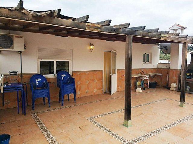 Chalet en venta en Villanueva de Algaidas (Villanueva de Algaidas, Málaga)