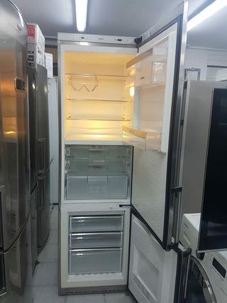 nevera Siemens 2mx60cm con transporte y garantía
