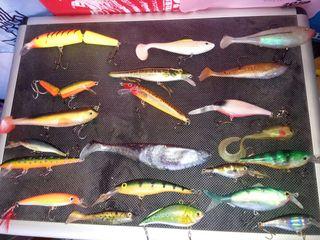 lote de señuelos de pesca
