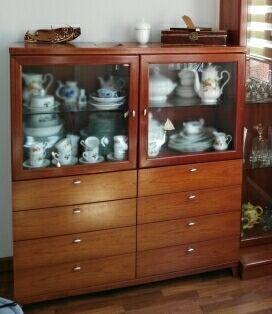 mueble /cómoda/ vitrina