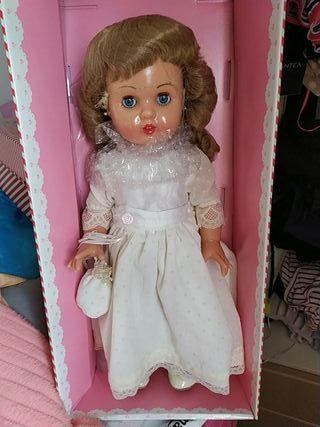 muñeca Mariquita Perez comunión