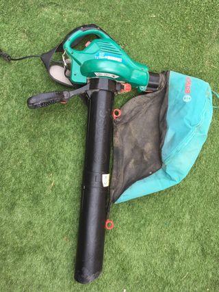 Aspirador-soplador eléctrico Bosch para jardín