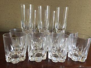 Conjunto de 14 vasos y copas de cristal de arques