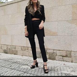 Pantalones negros de traje