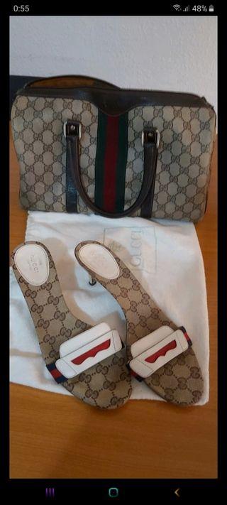 Bolso y sandalias Gucci