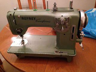 Maquina de coser antigua perfecta