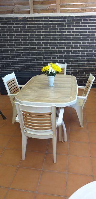 mesa jardín 4 sillones