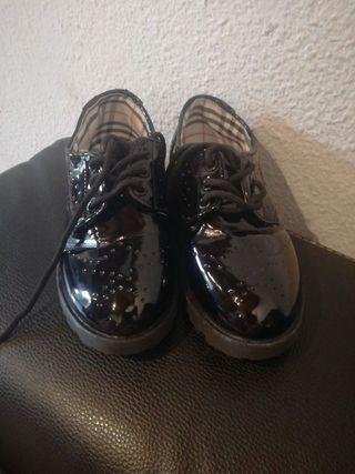 zapatos de charol 33