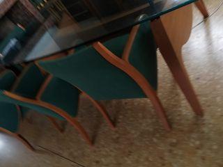 conjunto de mesa y sillones de comedor