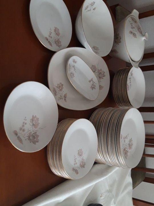 Vajilla Pontesa. 12 comensales. fabricada en españ