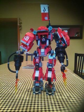 Lego Ninjago montado de rojo