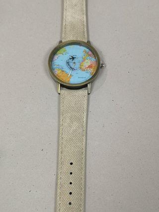 reloj moderno de cuarzo corra beig