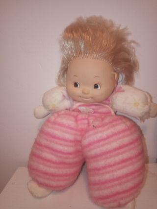 Vendo una dos muñecas unade ellas es Famosa