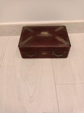 Caja joyero antigua