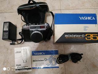 Cámara de fotos antigua Yashica Minster D