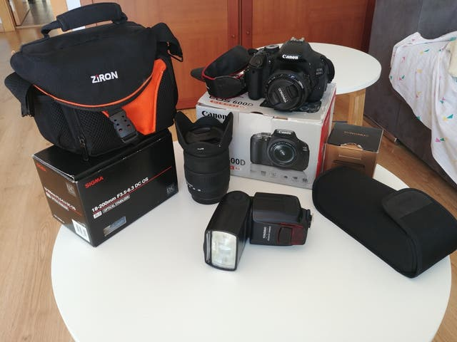 Canon EOS 600D con extras