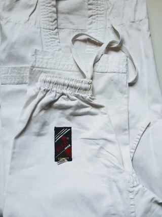 Karate, conjunto completo