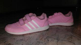 Zapatillas Adidas niño de segunda mano en Talavera de la