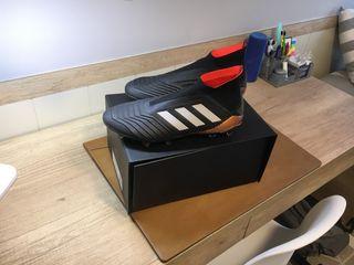 Botas de fútbol Adidas Predator de segunda mano en Barcelona