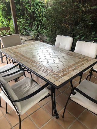 Conjunto mesa y sillas de forja jardín