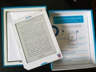 Libro electrónico nuevo con luz