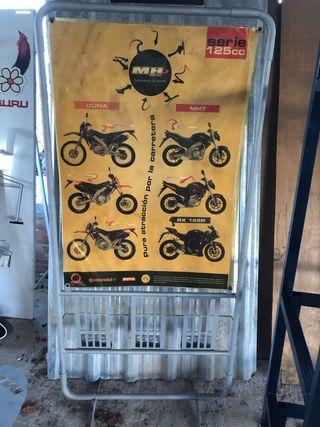 Expositor publicitario motos portapósters