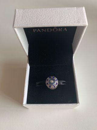 Charms de plata Pandora con esmalte y circonita