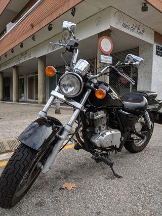 Moto custom Suzuki Marauder 125cc