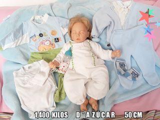 muñeco dormido D' AZÚCAR con lote de ropa