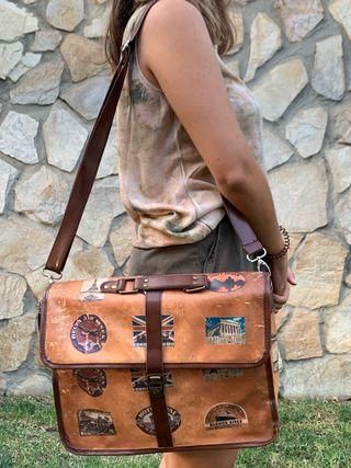 Maletín vintage piel marrón postales el mundo!