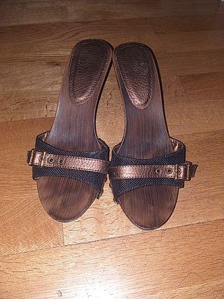 sandalia talla 40 Menbur