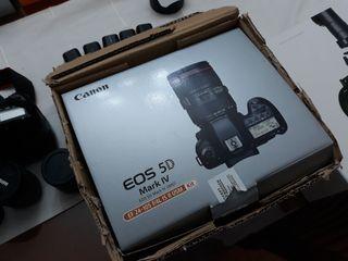 Canon Eos mark iv con seguro por más de dos años.