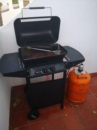 barbacoa gas exterior. usada por 1 mes