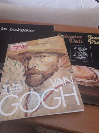 3 libros Dalí , Van gogh, y bodegones