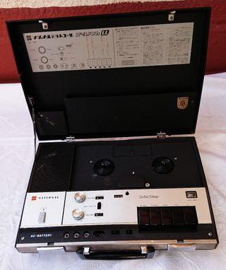 cassette aparato antiguo musica stereo altavoz